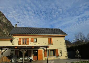 Sale House 5 rooms 130m² Le Bourg-d'Oisans (38520) - Photo 1
