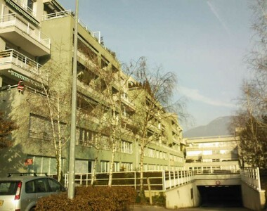 Renting Garage 15m² Grenoble (38100) - photo