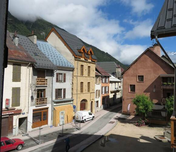 Sale Apartment 1 room 24m² Le Bourg-d'Oisans (38520) - photo