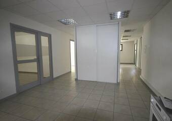 Renting Office 5 rooms 148m² Bourg-Saint-Maurice (73700) - Photo 1