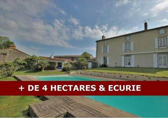 Sale House 6 rooms 200m² La Roche-sur-Yon (85000) - photo