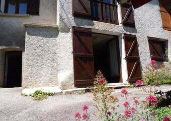 Sale House 8 rooms 138m² Auris (38142) - Photo 1