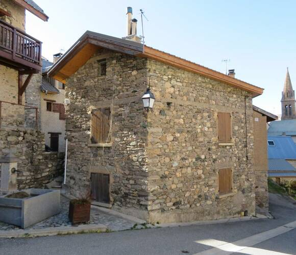 Sale House 4 rooms 60m² Villar-d'Arêne (05480) - photo
