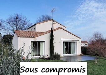 Sale House 4 rooms 108m² talmont st hilaire - Photo 1