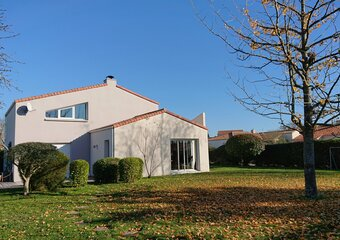 Sale House 6 rooms 120m² montbert - Photo 1