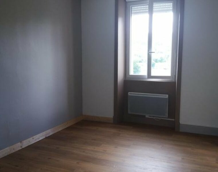 Location Appartement 3 pièces 40m² Belmont-de-la-Loire (42670) - photo