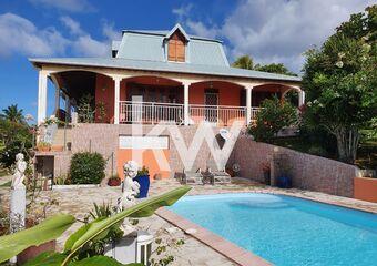 Vente Maison 7 pièces 260m² SAINT CLAUDE - Photo 1
