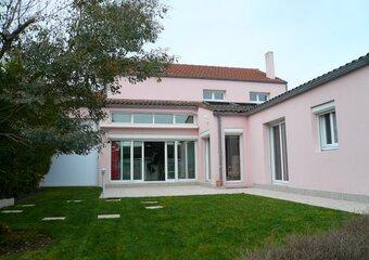 Vente Maison 8 pièces 195m² chatelaillon plage - Photo 1