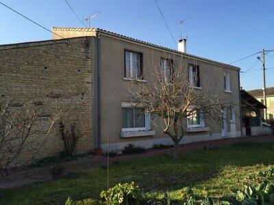 Vente Maison 7 pièces 184m² Saint-Hilaire-la-Palud (79210) - photo