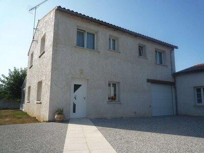 Vente Maison 5 pièces 122m² Bouhet (17540) - photo