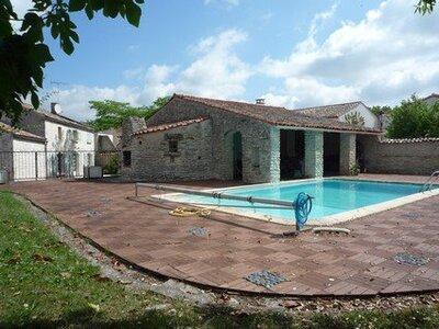 Vente Maison 8 pièces 204m² Courçon (17170) - Photo 2
