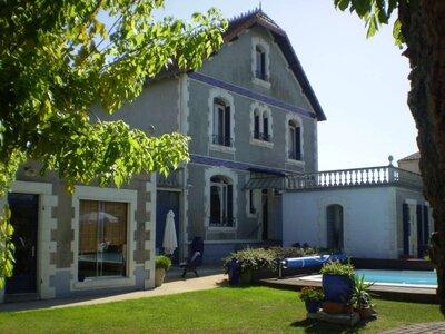 Vente Maison 10 pièces 172m² La Rochelle (17000) - Photo 1