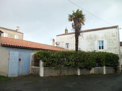 Vente Maison 7 pièces 160m² Courçon (17170) - Photo 1