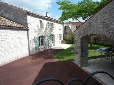 Vente Maison 8 pièces 204m² Courçon (17170) - photo