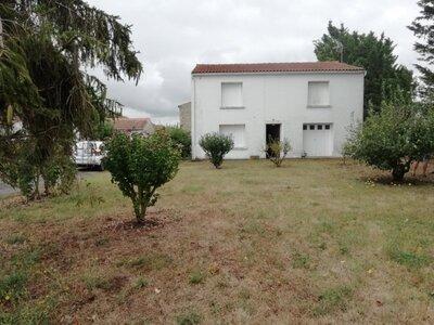 Vente Maison 8 pièces 153m² La Grève-sur-Mignon (17170) - photo