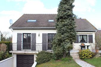 Vente Maison 8 pièces 136m² BALLAINVILLIERS - photo