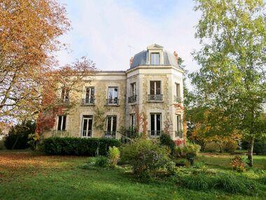 Vente Maison / Propriété 9 pièces 270m² Saint-Amand-Montrond (18200) - photo