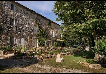 Vente Maison / Propriété 15 pièces 1 000m² Les Baux-de-Provence (13520) - photo