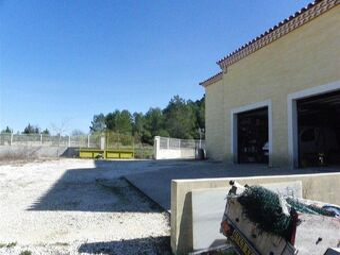 Vente Maison / Propriété 6 pièces 190m² Saint-Théodorit - photo