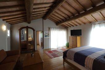 Vente Maison / Propriété 8 pièces 200m² Saint Saturnin les Avignons - photo