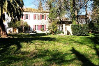 Vente Maison / Propriété 20 pièces 1 460m² Saint-Gilles (30800) - photo