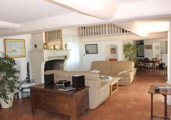 Vente Maison / Propriété 7 pièces 230m² Nîmes (30000) - photo