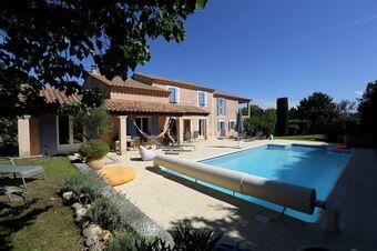 Vente Maison / Propriété 8 pièces 200m² ST SATURNIN LES AVIGNON - photo