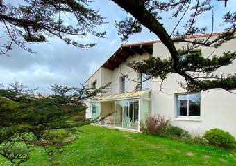 Vente Maison 7 pièces 190m² Vaux sur mer - Photo 1