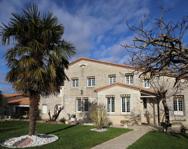 Vente Maison 8 pièces 330m² SAINT SULPICE DE ROYAN - photo