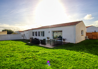 Sale House 4 rooms 101m² MORNAC SUR SEUDRE - Photo 1