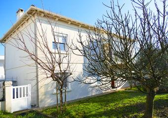 Sale House 8 rooms 167m² ROYAN - Photo 1