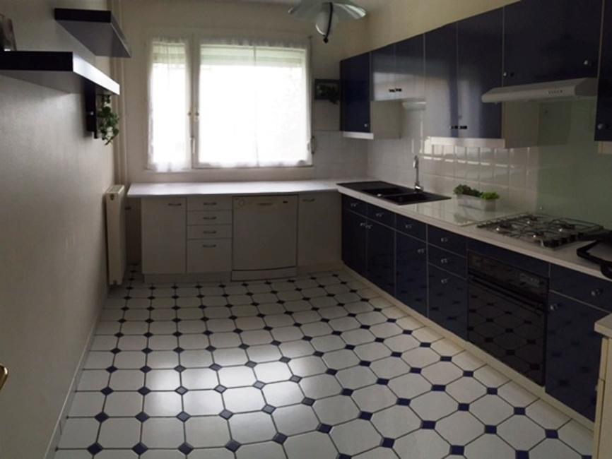 vente appartement 5 pi ces douai 59500 223812. Black Bedroom Furniture Sets. Home Design Ideas