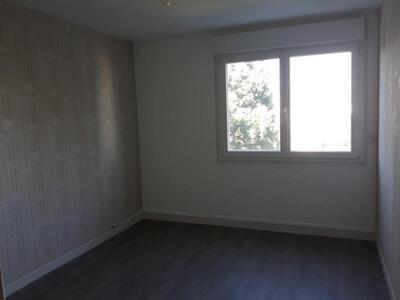Location Appartement 4 pièces 81m² Douai (59500) - Photo 4