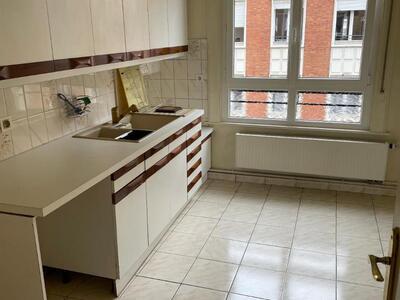 Location Appartement 4 pièces 135m² Douai (59500) - Photo 4