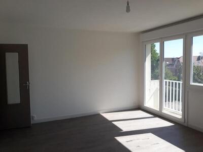 Location Appartement 4 pièces 81m² Douai (59500) - Photo 2