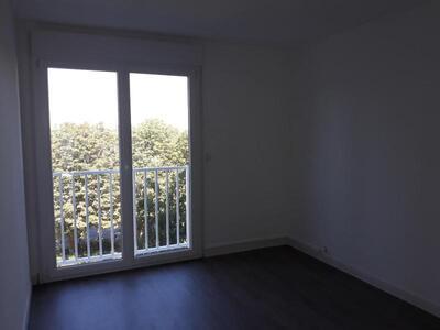 Location Appartement 4 pièces 81m² Douai (59500) - Photo 5
