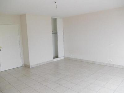 Location Appartement 1 pièce 30m² Douai (59500) - Photo 3