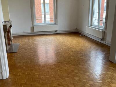 Location Appartement 4 pièces 135m² Douai (59500) - Photo 3