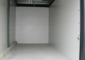 Location Garage 30m² La Rochelle (17000) - photo