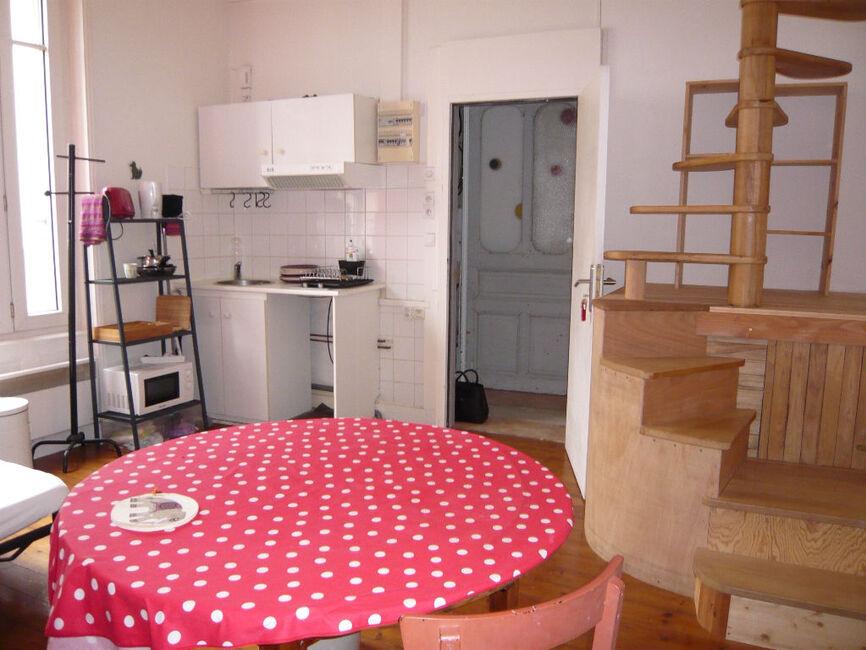 location appartement 2 pi ces la rochelle 17000 133630. Black Bedroom Furniture Sets. Home Design Ideas