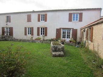 Vente Maison 9 pièces 262m² Montroy (17220) - photo