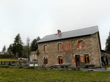 Vente Maison 8 pièces 222m² Saint-Bard (23260) - photo