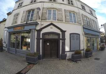 Location Murs commerciaux 91m² Billom (63160) - Photo 1
