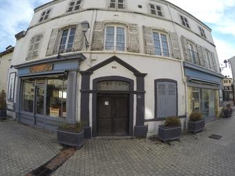Location Murs commerciaux 91m² Billom (63160) - Photo 1