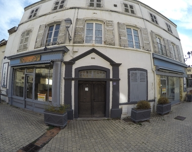 Location Murs commerciaux 91m² Billom (63160) - photo