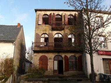 Vente Maison 6 pièces 160m² Bourg-Lastic (63760) - photo