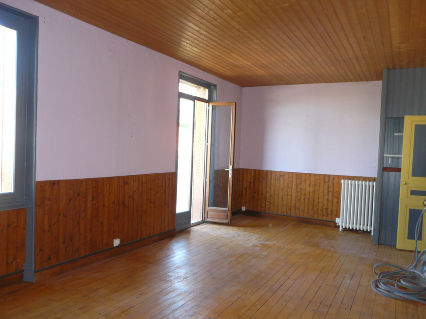 location appartement 4 pi ces clermont ferrand 63000. Black Bedroom Furniture Sets. Home Design Ideas