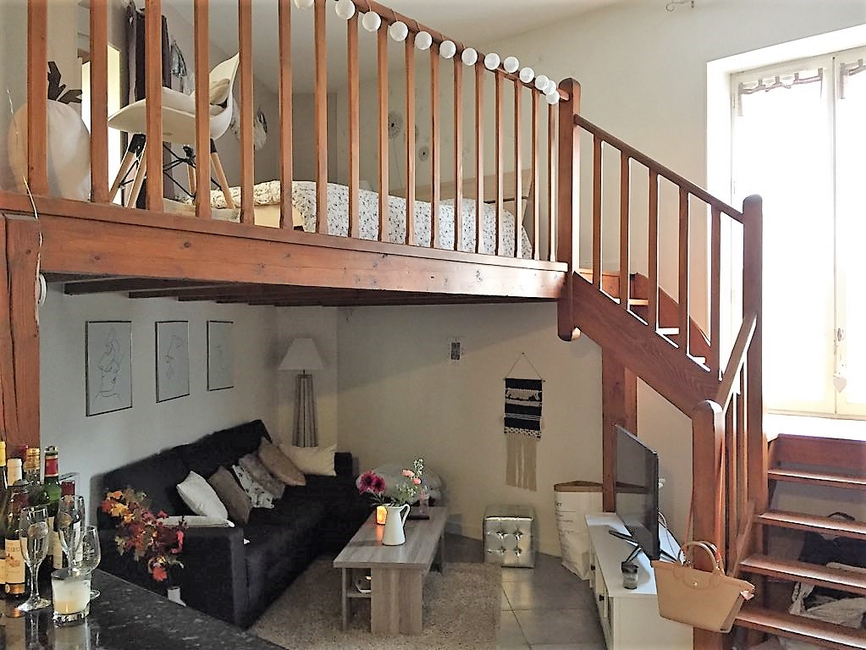 vente appartement 1 pi ce clermont ferrand 63000 469630. Black Bedroom Furniture Sets. Home Design Ideas