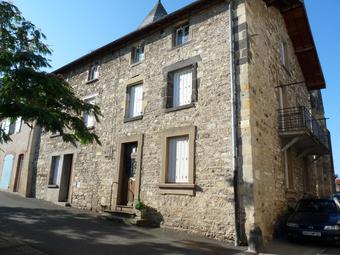 Vente Maison 8 pièces 240m² Chauriat (63117) - photo