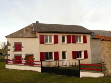 Vente Maison 4 pièces 121m² Saint-Jacques-d'Ambur (63230) - photo